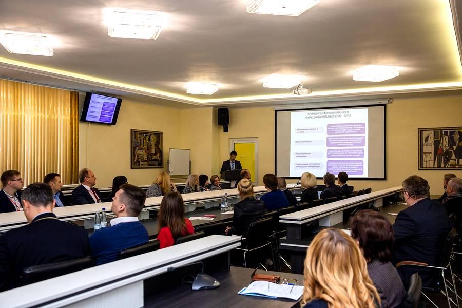 В Новополоцке проанализировали опыт создания и развития кластеров в Беларуси